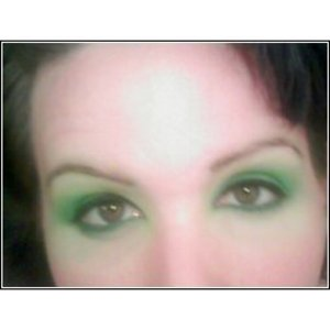 Another pic of my eye shadow job, again sorry for the poor pic quality