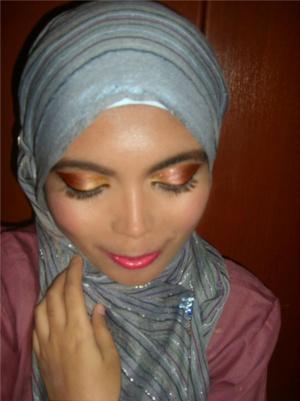1st Day of 'Eid look! Yeay! [Gold-Plum-Bronze shadows] ^_^