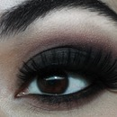 Classic Black Smokey eye 1