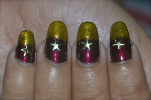 See the tutorial @ https://www.youtube.com/watch?v=rYguqR6o4Ig For more pics visit http://www.gorgeousnailschannel.com/2014/12/christmas-holiday-nails.html  Follow me on :-  YouTube : https://www.youtube.com/user/SuperGorgeousnails  Blog : http://www.gorgeousnailschannel.com  Facebook : https://www.facebook.com/SuperGorgeousNails  Twitter : https://twitter.com/DemiNails123  Pinterest: http://www.pinterest.com/deminails123/