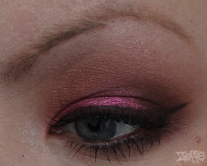 http://zoffe.blogspot.se/2012/03/strawberry-patch-fotd.html