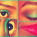 Green&Black Aye Shadow -Red Lipstick