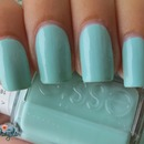 Essie Mint candy apple