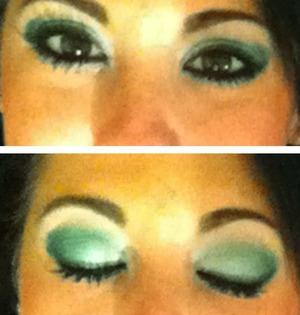 http://youtu.be/qk5x0gjeCN0  Emerald Green Eyeshadow Look