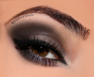 Description and products used on my instagram, @paulina_alaiev  Link: http://instagram.com/p/lf9ItCvsg6/