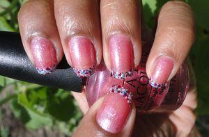 Confetti nails: http://www.chinadolltt.blogspot.com/2012/04/confetti-tips.html
