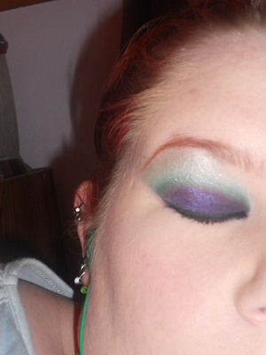 More of that Purple and Green obsession of mine. The green isnt translating as bright as it should. v.v