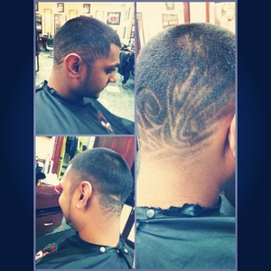 Used my wahl for the fade a t-blade to outline and for the design 😊