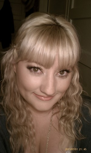 I love #36 lashes!! :) Pretty, natural, easy look on a day off...