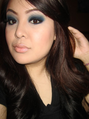 http://tinamarieonline.blogspot.com/2011/10/sultry-smokey-blue-eyes.html