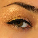 Gold eyeshadow and eyeliner