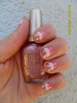 Tri-colored nails!: Milani- Disco Lights (Closest to tip), Sinful Colors- Easy Going (middle color), Sally Hansen 10 day no chip- Strong Blush (Farthest away from tip)