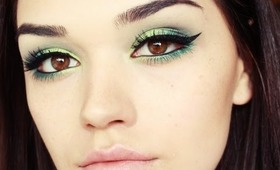 BRIGHT GREEN SMOKEY EYE MAKEUP