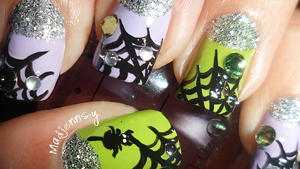 Halloween Nail Art: Blingy Spiderwebs