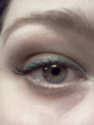 Close up. Chocolate mint. White Pearl liner in the waterline.