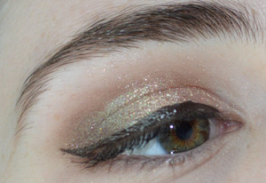Testing colors from the new Moon Rabbit Cosmetics line of pressed shadows to be released this fall. http://moonrabbitcosmetics.blogspot.com/2013/08/eotd-testing-out-some-new-products-may.html http://moonrabbitcosmetics.blogspot.com/2013/08/eotd-testing-out-some-new-products-may.html