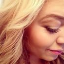 Cheeks blush and contouring