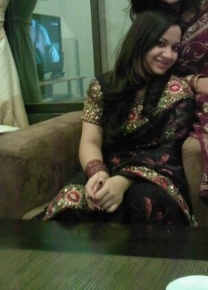 Black saree with a golden border. Costed me a fortune but what the hek! Love my hair here too! <3