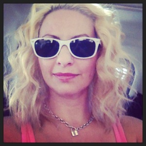 Creating selfies in my new Fiat on the way to the car wash! Platinum and soft curls.