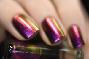 Cameo effortlessly shifts through an incredible array of vivid pink, purple, copper, gold, and a stunningly vibrant green. Quite similar to Masquerade, Cameo leans more pink and has an even stronger color shifting effect.   ILNP.com