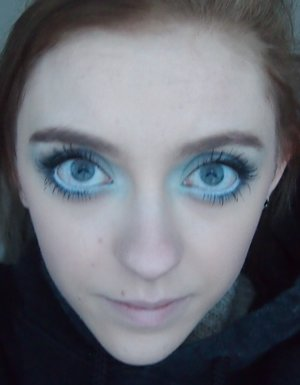 Day 23 of the #28DaysOfArt challenge! I created this look for today! It is a big eyed blue look!