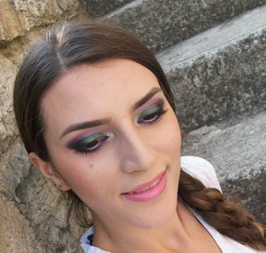 http://www.theglamcrush.com/2012/07/give-me-colorful-summer-night.html
