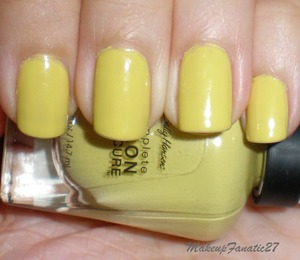 Sally Hansen in Yellow Kitty
