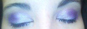 Using ELF's 100 eyeshadow palette