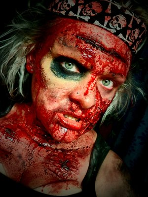 EXTREME SPECIAL EFFECTS MAKEUP Commando Zombie - 'loves the smell of Napalm in the morning' ;)