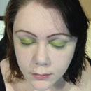 Step 5: The first Eyeshadow