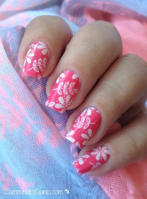 http://stampoholicsdiaries.com/2015/06/24/flower-nails-with-china-glaze-moyou-and-mundo-de-unas/