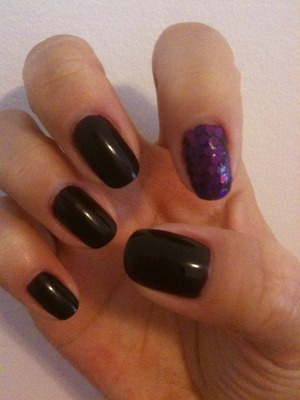 November 2011 Dark purple with purple hologram accent nail
