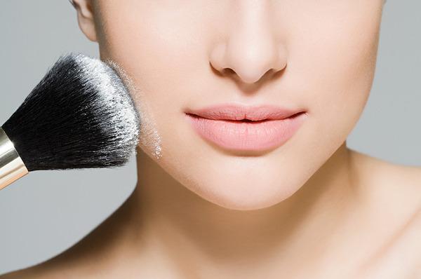 6 Unexpected Ways to Use Translucent Powder (Aside from Setting Makeup) |  Beautylish