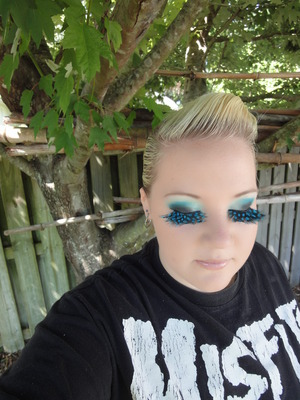 Black and Blue Feather Lashes Makeup