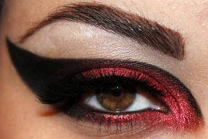 Inspired by the Star Wars race and order, the Sith.  http://makeupbysiryn.com/2012/05/31/sith-inspired-look/