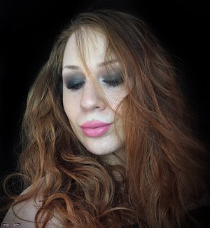 Rocker chic, with a new meaning. http://theyeballqueen.blogspot.com/2017/03/rocker-chic-cool-toned-makeup-look.html