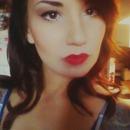 Minimal look w/ Red Lips