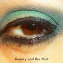 Green-grey eye make up