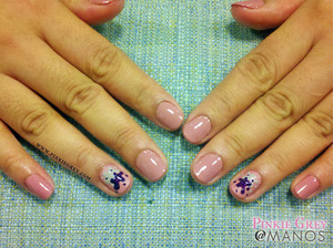 Check out her matching toes at: http://pinkiegrey.com/post/40566231716/pb-j-check-out-eloisas-yummy-accent-nails-a