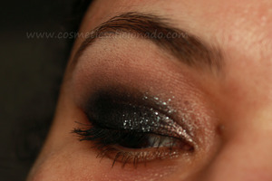 http://www.cosmeticsaficionado.com/2012/01/eye-of-day_17.html