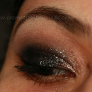 Glittery Black Smoky Eye