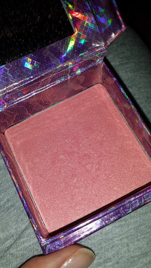 I love this blush so much.. it's really an amazing blush and good for fall.. it's so natural blush..  I'm in loveee ^_^ <3
