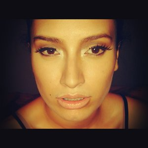 in this one i did a jlo transformation using my own make up... please let me know what you all think :3