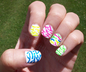 Zebray fruit stripy nails