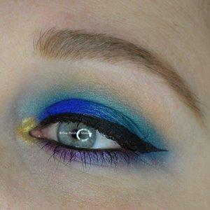 http://onepolishedmomma.blogspot.com/2015/10/peacock-halloween-makeup.html?m=1