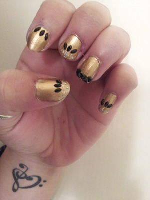 black and gold sexy lol