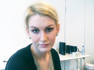 More about this look at; http://makeupinsider.blogspot.com/Chanel makeup workshop 1