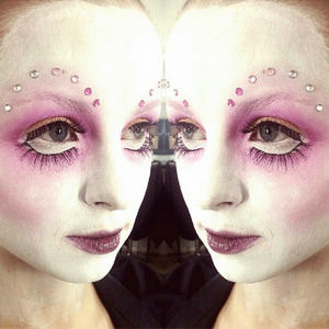 I did this avantgarde makeup on my friend Sofia and I was inspired by the amazing Alex Box when creating this look.