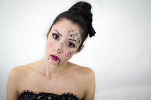 I've seen a few of the broken face pictures going around, so I decided to make my version of it! Enjoy! Happy Halloween ;)