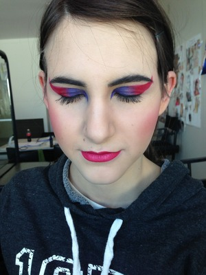 A draft of my catwalk makeup that I did on my lovely model Hannah,
